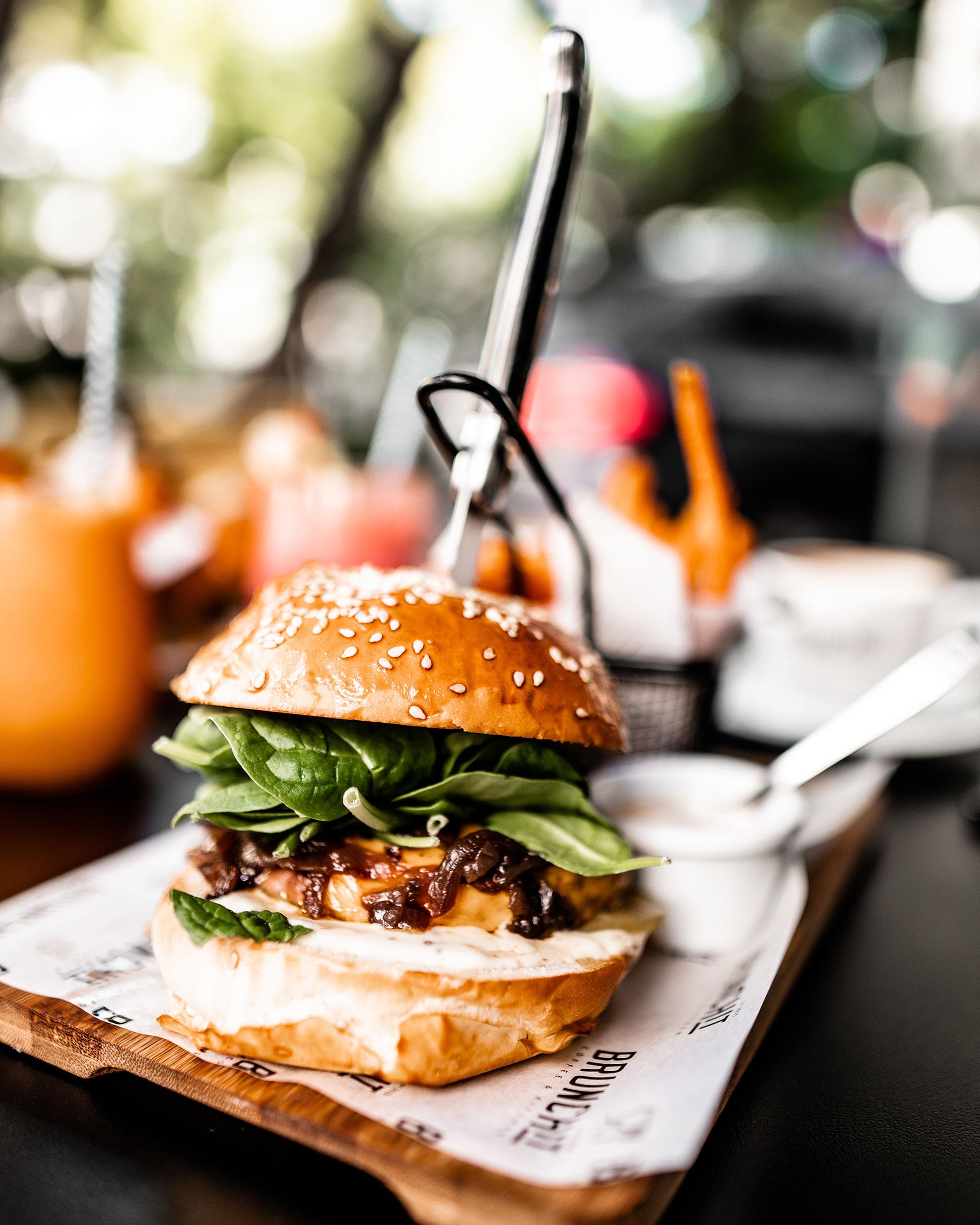 Hamburger på tallerken